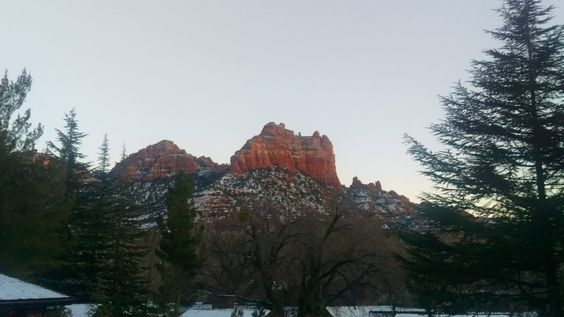 We hope you had a lovely day... enjoy your evening and stay warm! #lauberge #redrocks #dustedinsnow #SnoopyRock #sedonaaz #traveltuesday