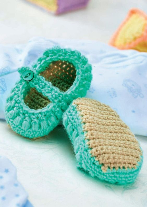 Crochet Pattern For A Baby Jacket : FREE PATTERN! Mary-Jane crochet baby shoes Crocheting ...