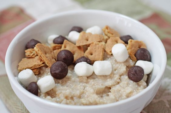 The Camper: Smores aren't reserved for a campfire anymore. Top your hot oats with crumbled graham crackers, chocolate chips and marshmallows. #BRMOatmeal