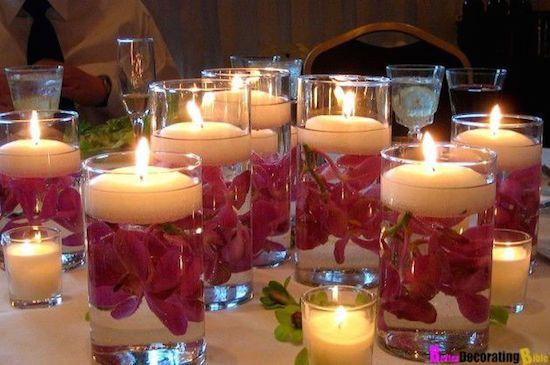 Day Dinner Party de Valentine - Définir une scène romantique avec des bougies flottantes comme votre pièce maîtresse.