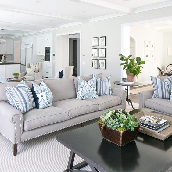 Open living space #happyhome #greatroom #naturallight #freshgreens #bwd #coastaltransitional #newbuild @ryangarvin @audreyjbryant