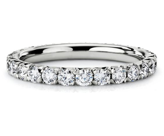 Pavé Diamond Eternit
