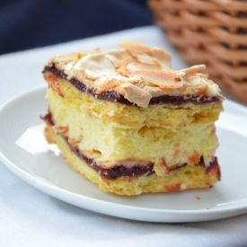 A traditional polish cake with delicious cream. The best! (in polish with translator)