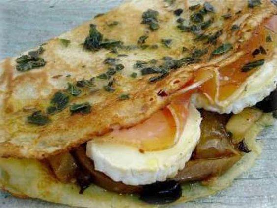 Crêpes méditerranéenne au jambon cru et chavignol : http://www.ptitchef.com/recettes/plat/crepe-mediteraneenne-au-jambon-cru-et-chavignol-fid-341786