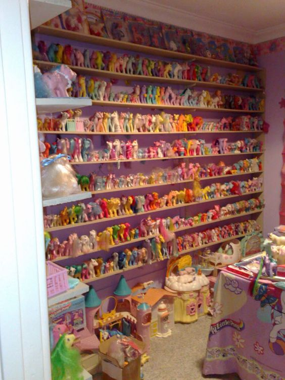 """Pony Room! And I thought I had a pretty """"huge"""" collection as a kid :P"""