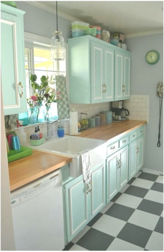 20 Lovely Retro Kitchen Design Ideas Kitchenideas Design Ideas Kitchen Kitchenideas Lovely Retro Retro Retro Kitchen Kitchen Sink Decor Vintage Kitchen
