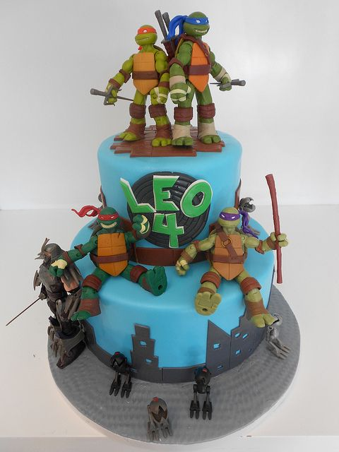 two tier TMNT birthday cake: