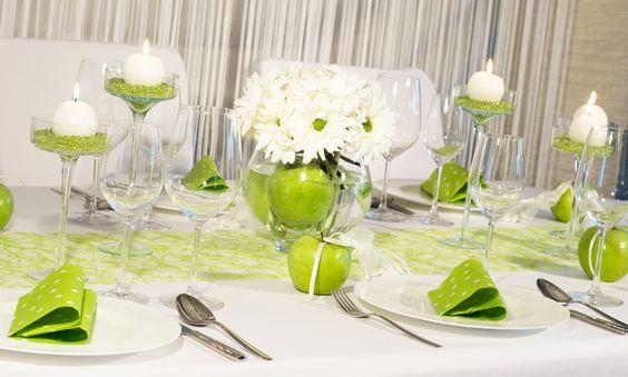 """Glaskelche mit grünen Raindrops - #Tischdekoration Hochzeit """"grüner Apfel"""" - meine-hochzeitsdeko.de"""