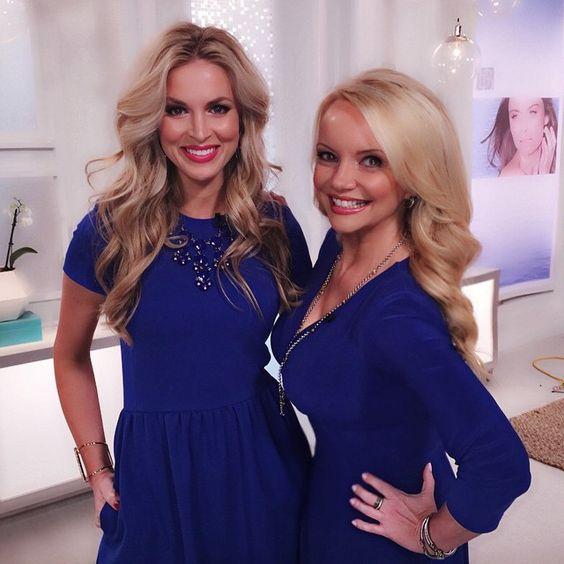 Having fun w my #beautiful #friend @jamieobanion #blondes in #bluedresses @hsn #hsnbeauty #funatwork #onair #livetv #southerngirls #talkers #tvhost #showhost #cobaltblue #wegotthememo #greatmindsthinkalike #beautybioscience #lightscameraaction