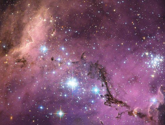 哈勃望望在大麥哲倫雲中隱藏的寶藏