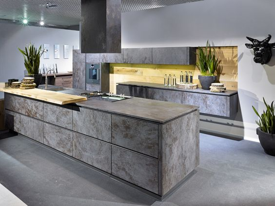 Dandler - Forst \ Garten, Türen \ Tore, Kaminöfen, Küchen, Tisch - moderne kuchen forster
