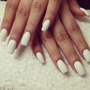 Nails Square White