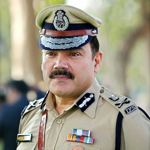 Hyd Commissioner Anjani Kumar Transfers Inspector Over Negligence In Missing Girl Case Girl Cases Police Chief Cyber Security