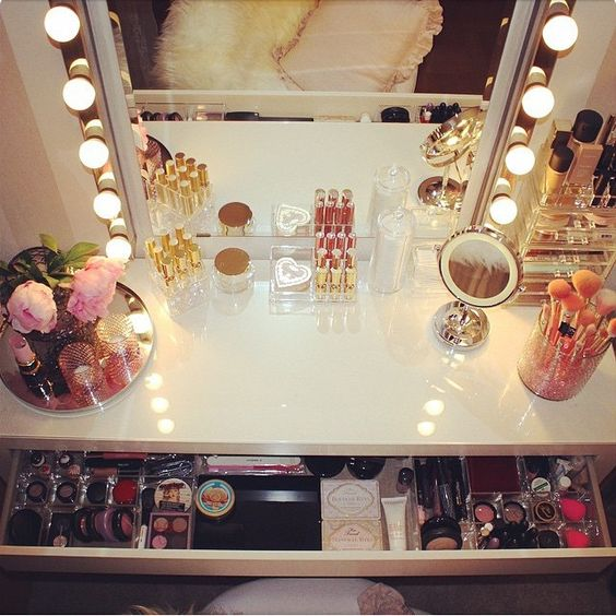 """We all need a fabulous dressing table right!! Here's @emeliesplace1 where she purchased lights and table from ikea #vegas_nay"":"
