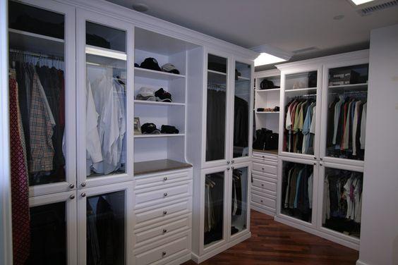 Beautiful walk in custom closet for Beautiful walk in closets
