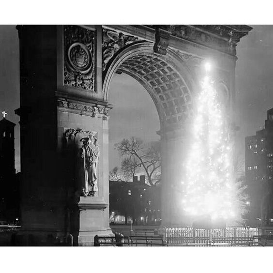 "oldvintagenewyork: ""Washington Square Arch dressed up for Christmas Manhattan New York City December 1948. #NY #NewYork #NewYorkCity #City #Manhattan #love #TagsForLikes #instagood #nyc #smile #follow #cute #photooftheday #tbt #followme #beautiful #happy #picoftheday #instadaily #amazing #TFLers #fashion #igers #fun #instalike #bestoftheday #like4like #instamood #Vintage #Old"""