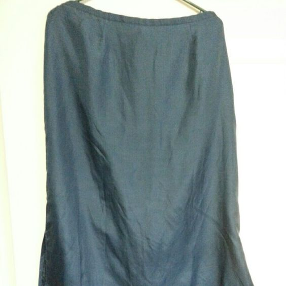 Gorgeous 100% Silk Teal Blue Tea-Length Skirt Super silky flowy skirt  with polyester lining!  Zips & hooks at back.  Slits on both side seams for easy dancing. These photos don't do the color justice!  Worn once, like new! Feeling mermaid-y??? ;) Kathy Lee Skirts