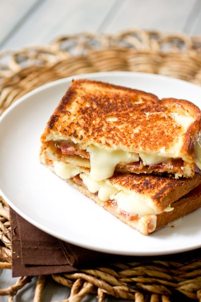 bacon brie fig jam grilled cheese