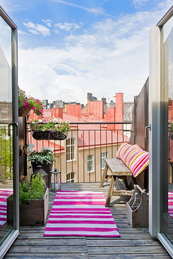 Un balcón muy acogedor