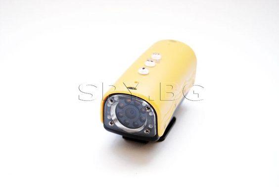Камера за водолаз  : Тази водоустойчива камера е предназначена за подводни снимки, като с нея можете да се гмуркате и заснемате на дълбочина до 20 метра. Подводните снимки ще бъдат впечатляващи с 720Р HD резолюция. Камерата е с 1/4 HD CMOS сензор, които гарантира запис на видео с резолюция 1280х720 пиксела и 30 кадъра в секунда, а широкоъгълния обектив позволява видимост на 120 градуса.