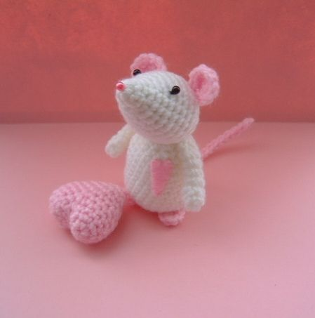 christmas 1980 santa mice crochet pattern