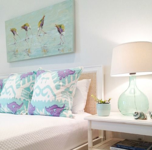 Pastel Beach Bedroom: Http://www.completely-coastal.com