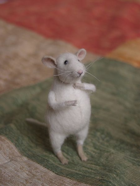 I love this little mouse!  <3