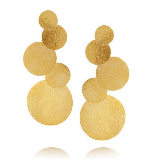 Hervé Van Der Straeten http://www.vogue.fr/joaillerie/shopping/diaporama/pieces-d-or-bijoux-aurelie-bidermann-herve-van-der-straeten-jem-sylvie-corbelin/14108/image/786617#!pieces-d-039-or-bijoux-herve-van-der-straeten