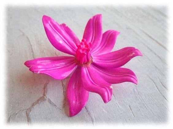 Vintage Broschen - pink Lily - Vintage Brosche boho - ein Designerstück von Bohemia1973 bei DaWanda