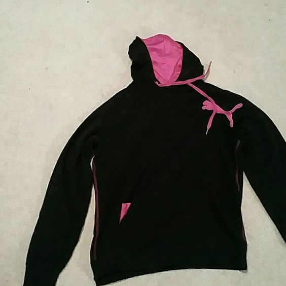 Puma Hoodie Basically new, only worn once. Soft inside, makes it really comfy to wear. Puma Tops Sweatshirts & Hoodies