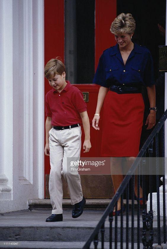 Diana, Princess of Wales (1961 - 1997) leaves Wetherby School in London with Prince William, having dropped off her younger son, Prince Harry, 5th September 1991.