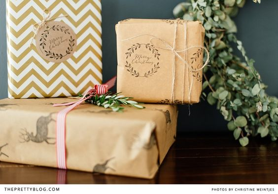 Print Your Own Christmas Gift Wrapping Paper | {DIYs} | The Pretty Blog