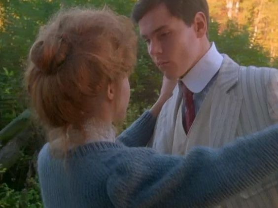 Jonathan crombie megan follows and anne of green gables for Anne maison aux pignons verts