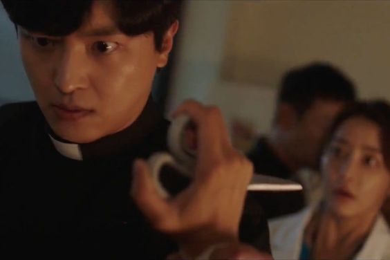 Watch: Yeon Woo Jin And Jung Yu Mi Face Evil In Frightening Preview For New Medical Exorcism Drama