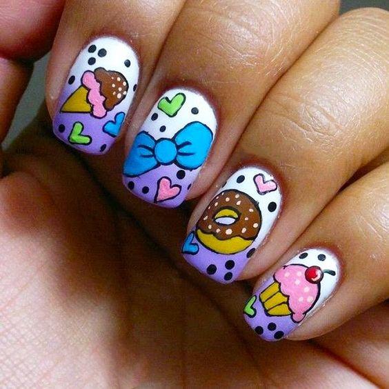 15 Diseños de uñas inspirados en postres. Nails Desings. Uñas coloridas. Uñas con diseños divertidos. Nails art. Uñas inspiradas en postres donas y panecillos