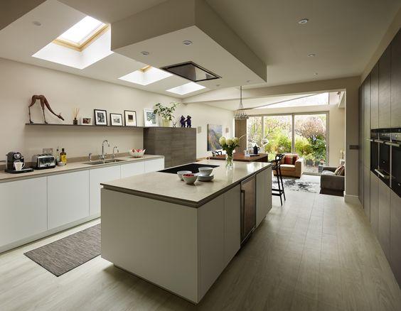 Snug Kitchens, Newbury Pronorm YLine kitchen with Super Matt - küche mit weinkühlschrank