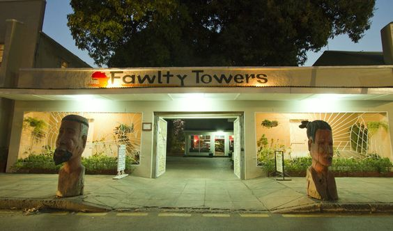 Fawlty Towers-Dorm accomodations