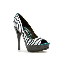 Shop  Michael Antonio Kora Pump