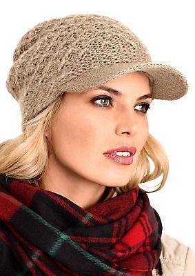 Mütze im Universal Online Shop