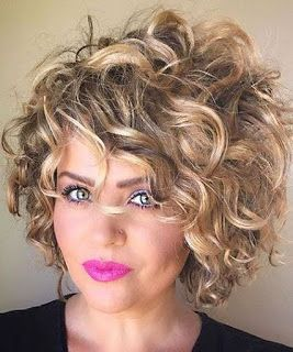 15 Rizado ondulado cortes de pelo mujer 2019