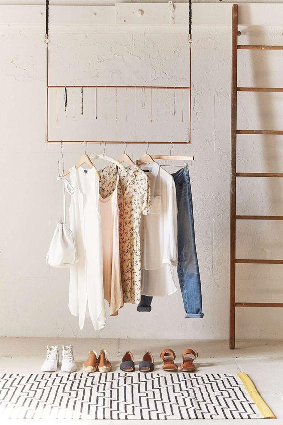 Ceiling clothing rack urban outfitters cintre de bijoux - Portant vetement suspendu ...