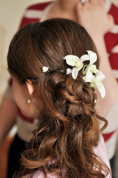 haircuts for thinning hair half up half flower hair style wedding half up 4613