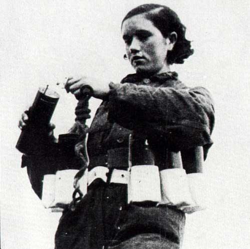 Spanish Civil War - milicianas. Rosario Sanchez Mora, explosives expert.