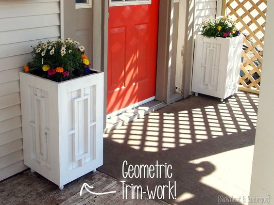 DIY Planter boxes with Geometric trimwork! Click through for the full tutorial! {Sawdust and Embryos}