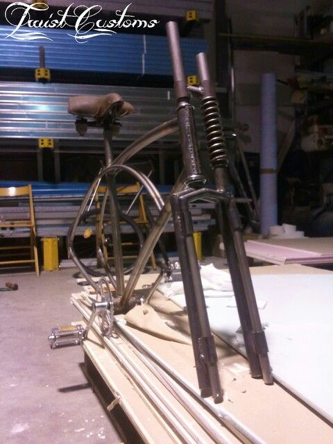 Art Deco', by Twist Customs - The making of