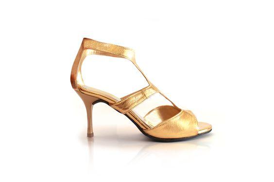 Sandalias oro, colección permanente en www.lolitaonline.es