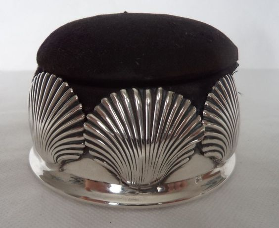 RARE VICTORIAN 1889 STERLING / SOLID SILVER SHELL / SCALLOP PIN CUSHION / BOX