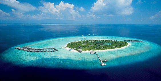 Vous rêvez d'une île privée et de luxe authentique ?  Laissez-vous tenter par les Maldives... Une beauté sans pareille : 26 atolls naturels, 1200 îlots, d'immenses bancs de sable blanc et récifs coralliens disséminés au cœur des eaux turquoise de l'océan indien.