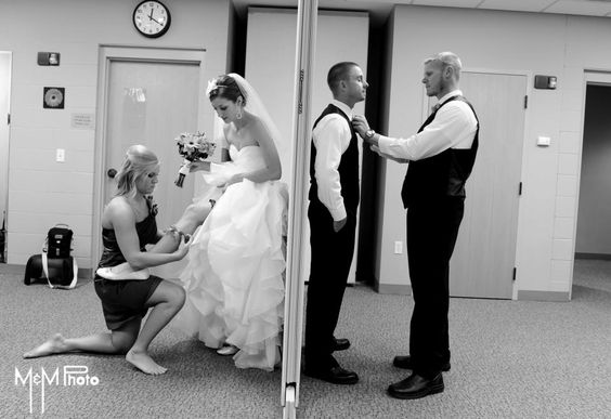 Wedding Picture getting ready