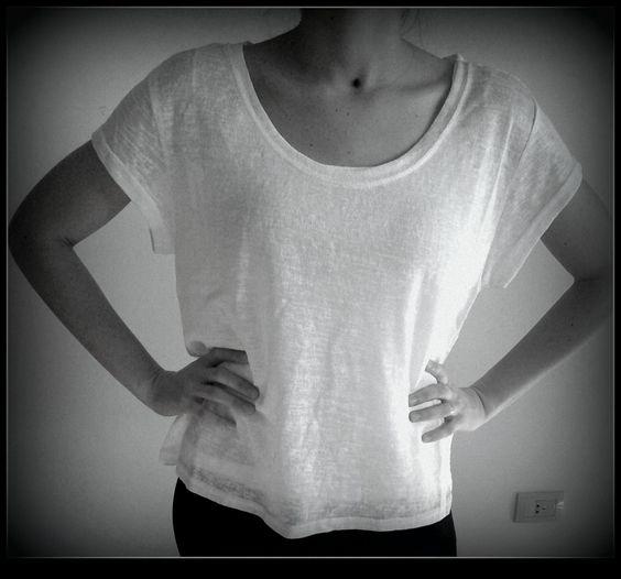 remera blanca , con encaje atras en #ludovicaespacio